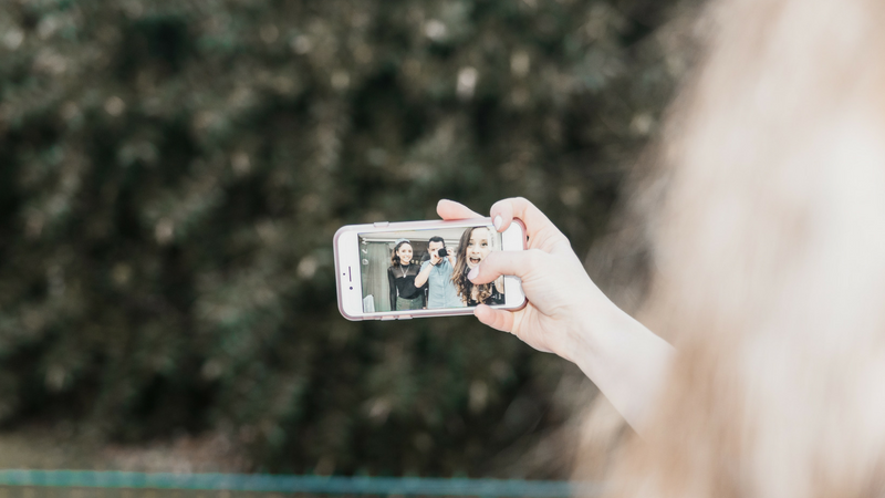 Top Tips for Capturing Special Family Moments on your Smartphone
